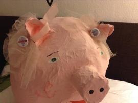 cRAmerry has a lucky pig
