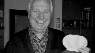 Papa mit Ehrenmedaille April 2014