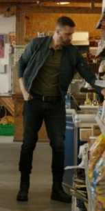 DM 2x04 standing in shop