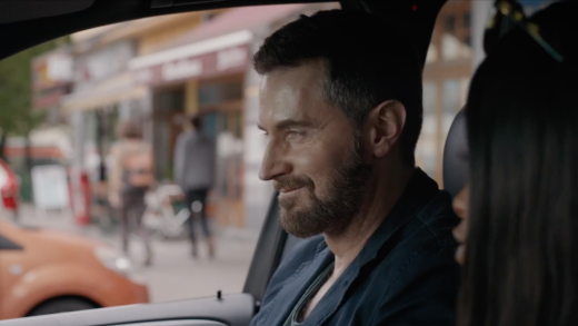 DM 2x09 smiles in car
